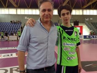 Il presidente Sergio Di Meo con il figlio Sergio Jr nel giorno dell'esordio